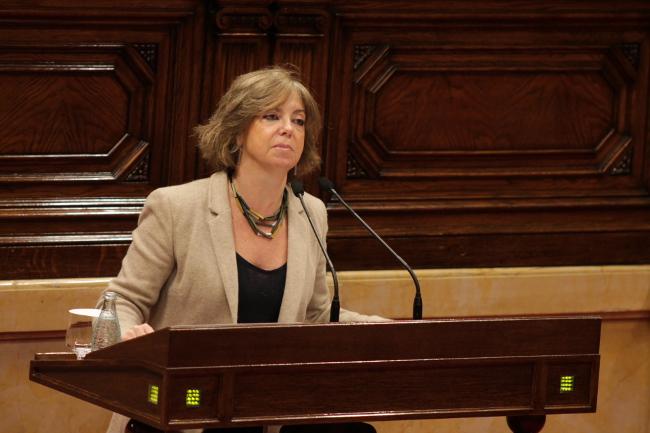 Govern | Projecte de Llei pel qual els habitatges buits, propietat d'entitats bancàries, passen a ser propietat pública.  Meritxell-borras-parlament